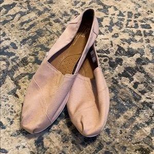 Toms classic canvas slip-on shoes
